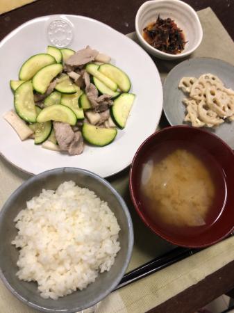 豚肉とズッキーニの炒め物_d0235108_20150965.jpg