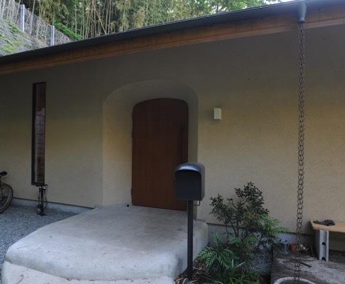 玄関ドアは・・・_a0148909_16083761.jpg