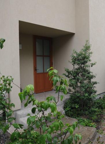 玄関ドアは・・・_a0148909_16090309.jpg