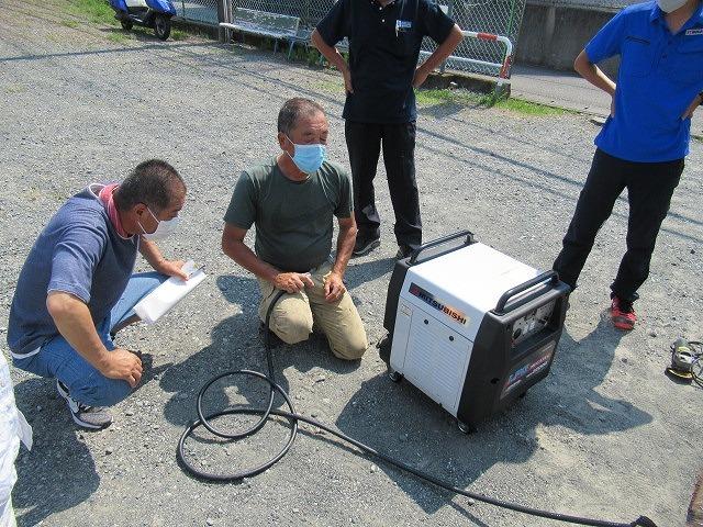 まさに「軒下在庫」 災害に備え駿河台三丁目自主防災会でガス発電機を購入_f0141310_07533671.jpg