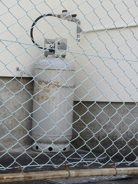 まさに「軒下在庫」 災害に備え駿河台三丁目自主防災会でガス発電機を購入_f0141310_07535653.jpg