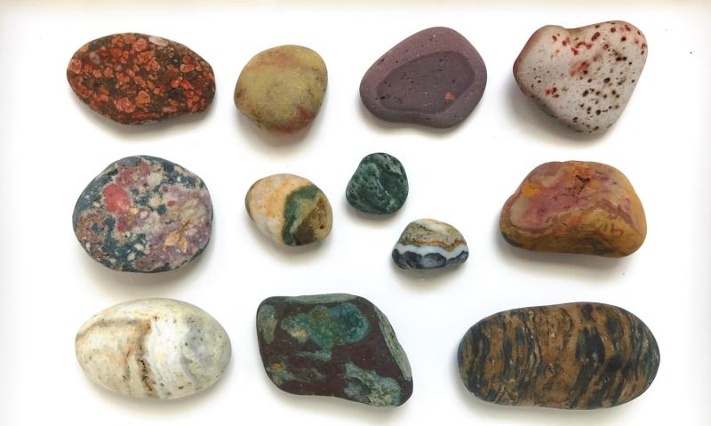 【海で拾った石】 真夏の石拾い その1_f0169147_16150635.jpg
