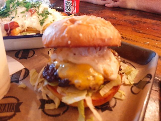 【おすすめレストラン】RIBHAUSおいしいハンガーガー屋さん。世界ランキング22位!_a0346870_03540946.jpg