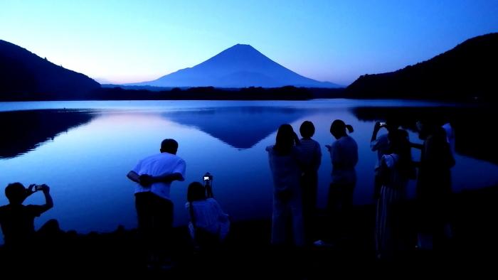 令和2年8月の富士 番外編 夜明けの精進湖_e0344396_15530179.jpg