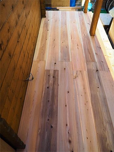 [DIY]で新部屋を作る。~漸く床張り作業に入る~_a0282620_11052303.jpg