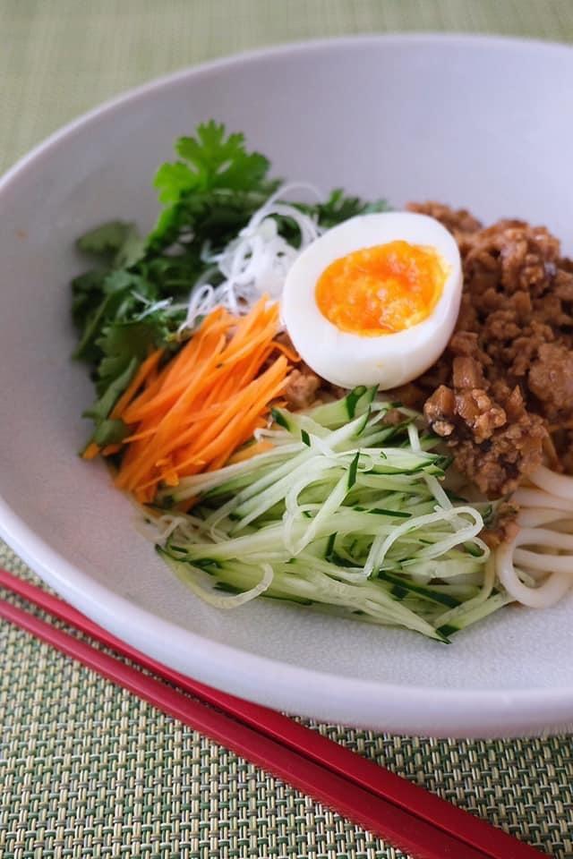 お昼は麺類_c0237291_08540610.jpeg
