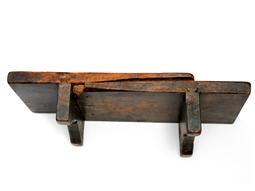 謎の古道具 木製の台_d0221430_17591753.jpg