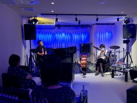 広島 Jazzlive Comin ジャズライブカミン  9月の演目スケジュール_b0115606_09423555.jpeg