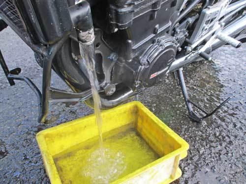S藤サン号 GPZ900Rニンジャの車検取得と点火系の不調を修理・・・(*^_^*)_f0174721_18385382.jpg