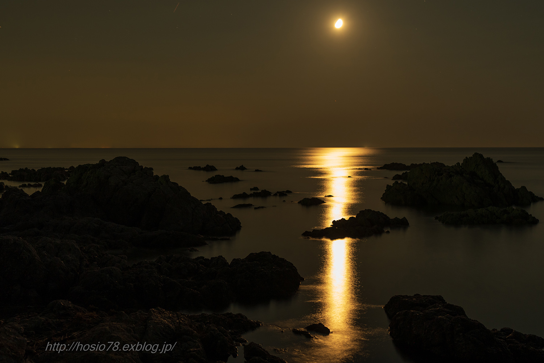 月光_e0214470_09350535.jpg