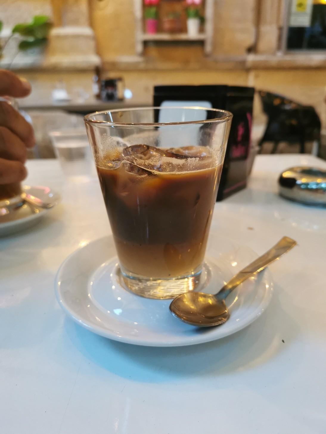 プーリア風アイスコーヒー~プーリア滞在記_f0106597_21061526.jpg