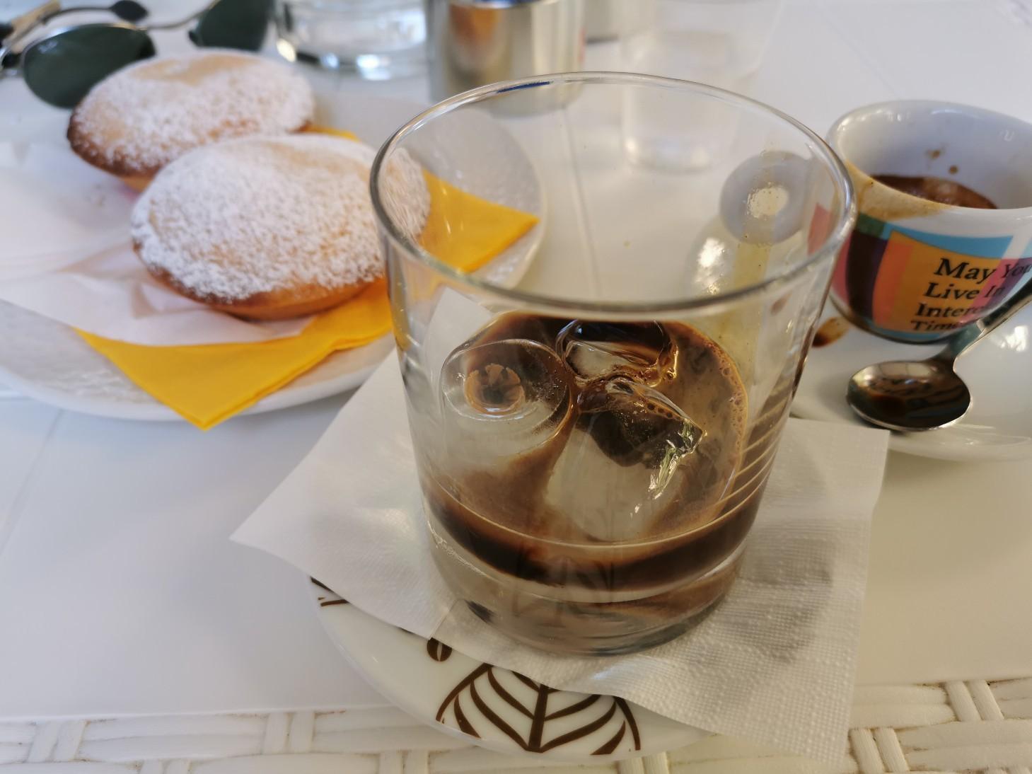 プーリア風アイスコーヒー~プーリア滞在記_f0106597_21072096.jpg