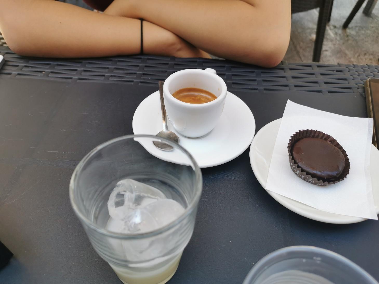 プーリア風アイスコーヒー~プーリア滞在記_f0106597_21084210.jpg