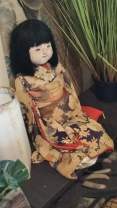 無気味な人形_b0065555_07380900.jpg