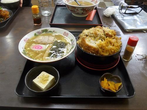 仙台・北四番丁「久美食堂」へ行く。_f0232060_2248517.jpg