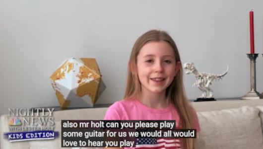 ついに、子ども向けニュース(NBC Nightly News Kids Edition)で、レスター・ホルトさんがギターを演奏:)_b0007805_05570615.jpg
