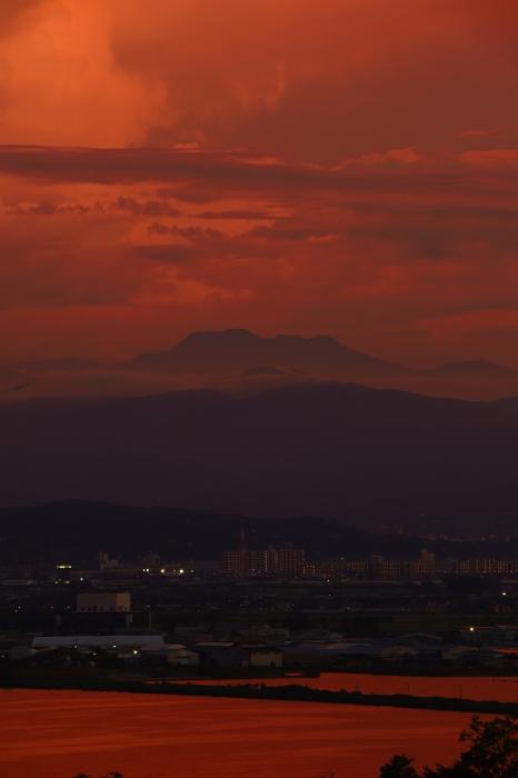 夕日に浮かぶ白山_f0346740_22103795.jpg