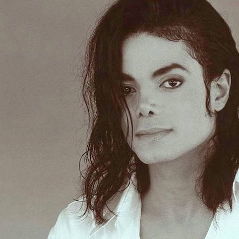 「マイケルの音楽以外のアートに焦点を当てた考察」の連載を開始!_f0134963_09390521.jpg