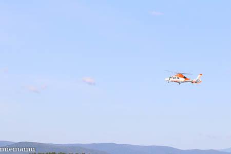 ヘリコプターと山並み~8月の就実_d0340565_20072869.jpg