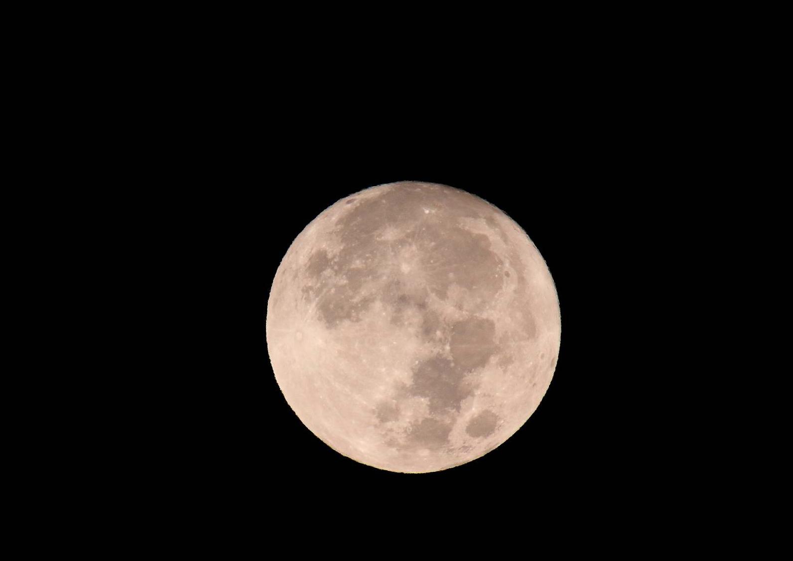 月(Moon) そのⅡ_a0140608_08325522.jpg