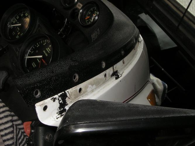 BMW R100RS     フロントスクリーンのリベットの打ち替え_e0218639_16213579.jpg