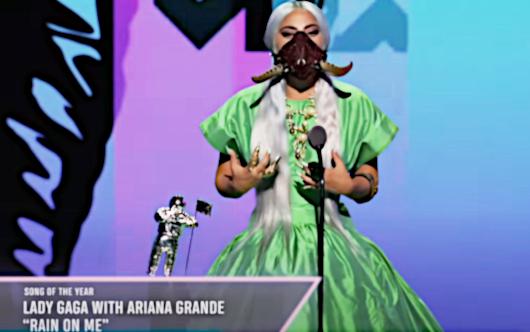2020年MTVビデオ・ミュージック・アワード授賞式は、レディ・ガガさんのショー(受賞スピーチ全文和訳付き)_b0007805_01440589.jpg