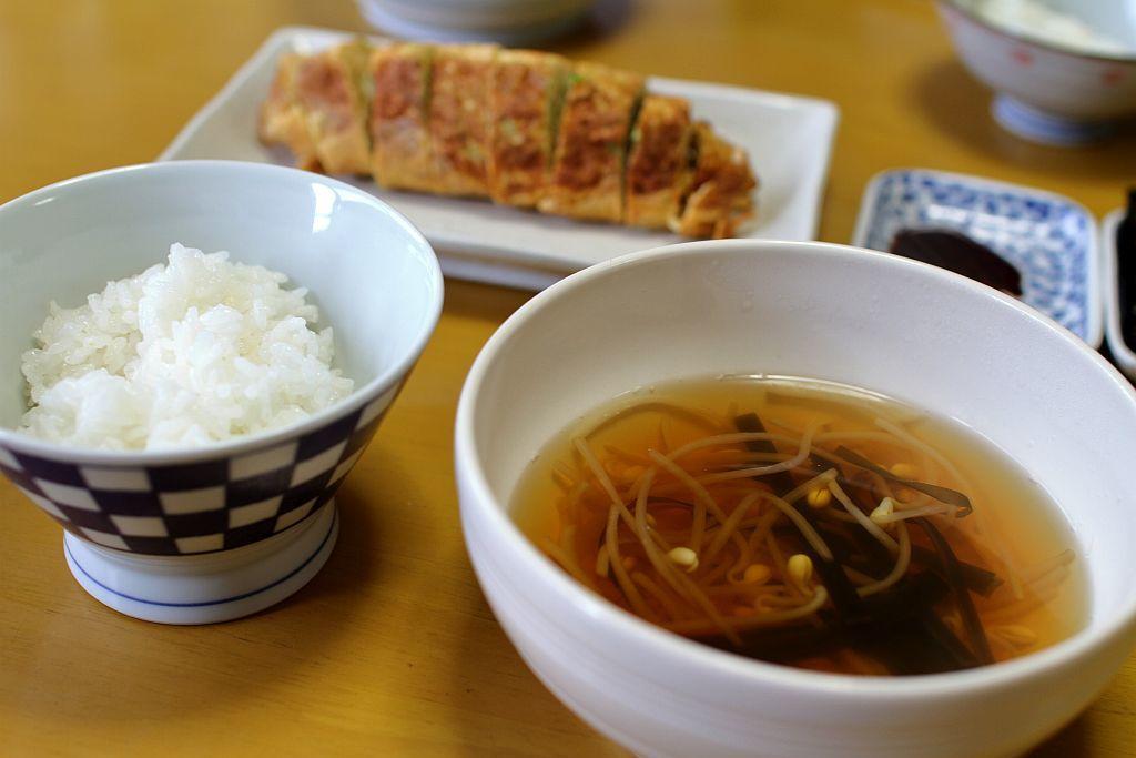豆もやしのスープと厚焼葱玉子な朝餉_e0220163_08554606.jpg
