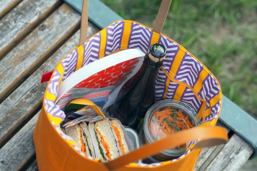 キャンバス生地の「picnic tote」_e0243765_13453683.jpg