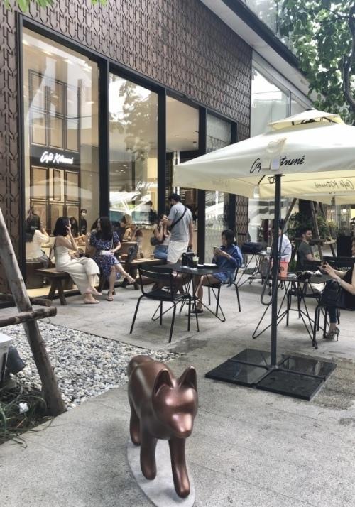バンコク日本人学校、2学期スタート! / 「Café Kitsuné」がバンコクにOPEN!_e0357886_13382931.jpeg