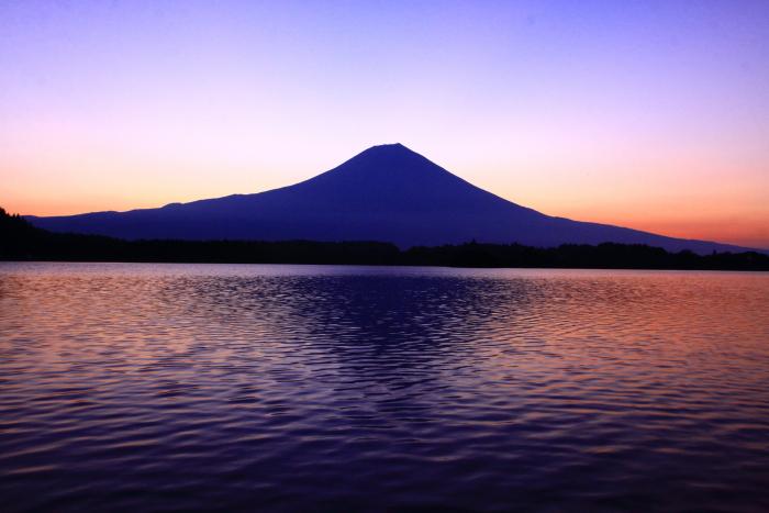 令和2年8月の富士(15) 田貫湖の日の出の富士 _e0344396_22025910.jpg