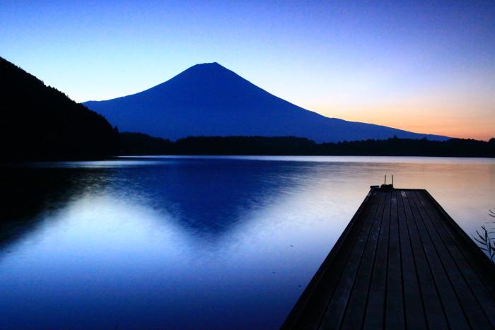 令和2年8月の富士(15) 田貫湖の日の出の富士 _e0344396_22025931.jpg