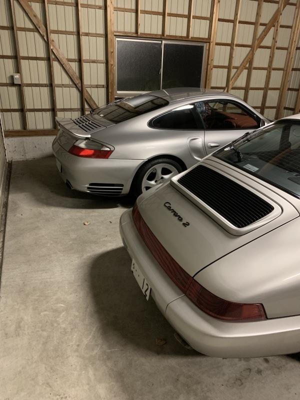 車庫内でのんびり〜。_d0365957_22223025.jpeg
