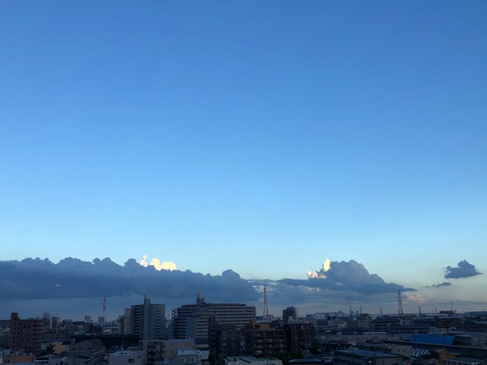 雲の上に雲、不思議な感じ。。。_d0152261_18222524.jpg