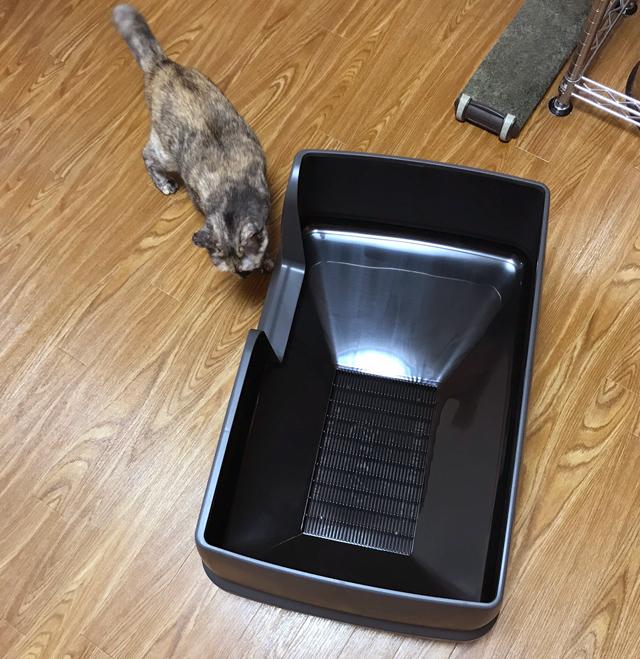 【猫の室内飼いの工夫】巨大猫トイレ1:デオトイレ快適ワイド_a0233917_1301932.jpg