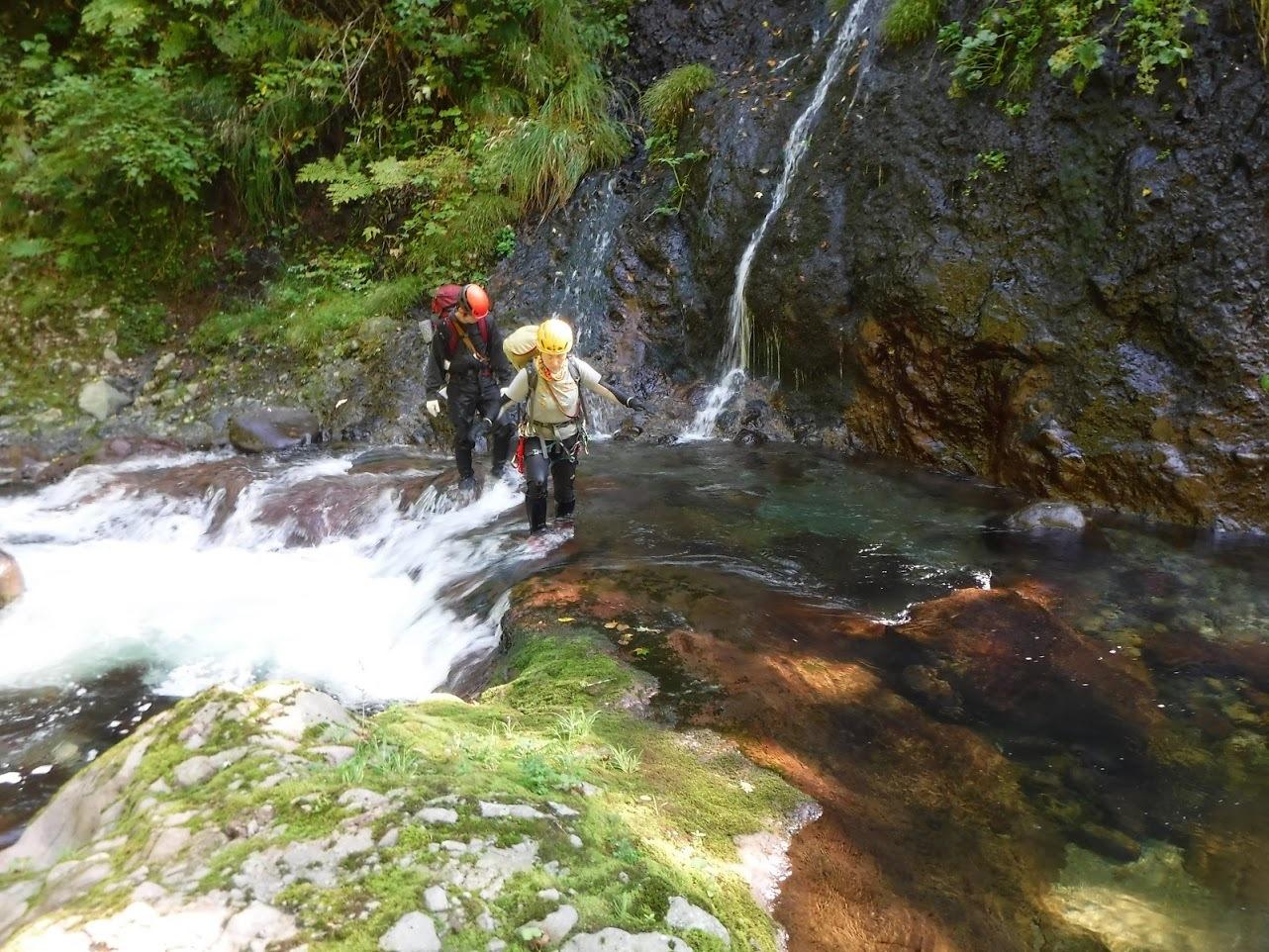 夏の終わりに余別川で沢登り_d0198793_00470421.jpg