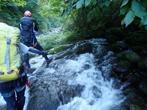 夏の終わりに余別川で沢登り_d0198793_01111920.jpg
