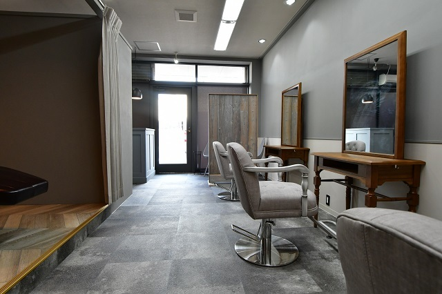 美容院の内装工事 3 完成_c0068695_16353496.jpg
