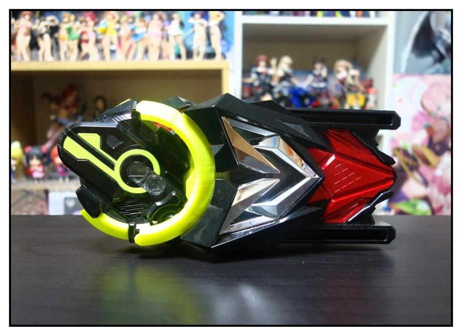 【ただの雑記】仮面ライダーセイバー玩具、本日本格展開開始!!_f0205396_13372867.jpg