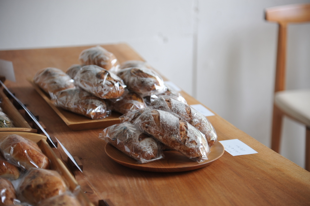 2020.9.6     一日限定 ヒュッグリーのパン販売_e0192609_12313322.jpg