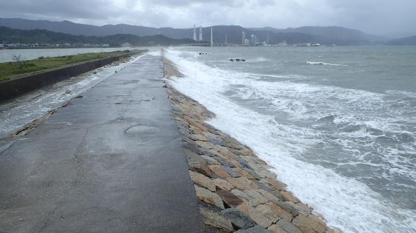 台風10号_c0367107_14304764.jpg