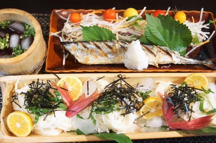 ■THE.朝ご飯【秋刀魚の塩焼きと冷や麦】ジリジリと朝から暑い朝_b0033423_15174237.jpg