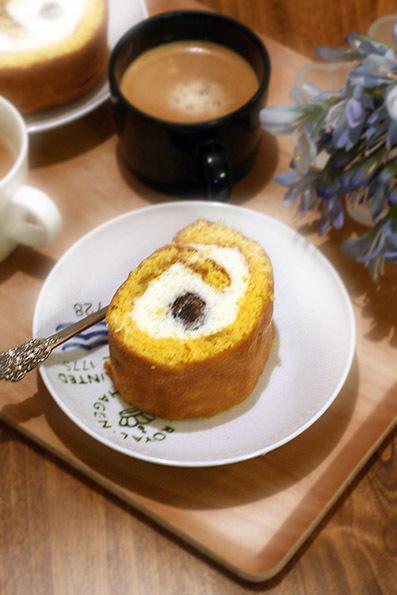 栗のロールケーキと鯛の昆布締め_e0137277_16062818.jpg