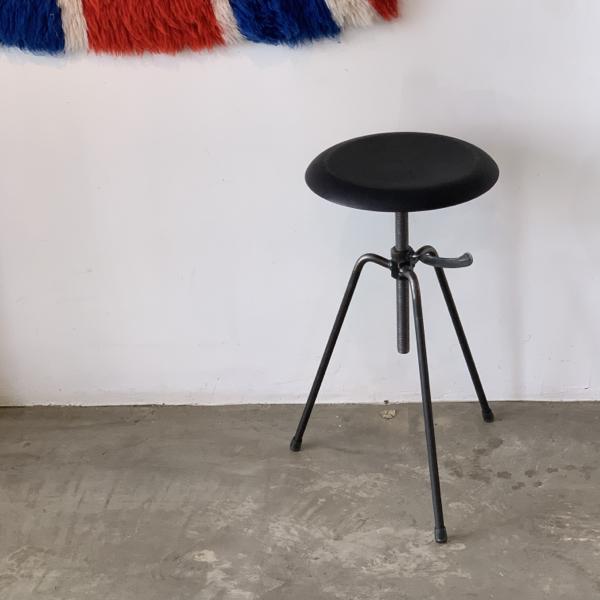 3 leg stool leather upholstery_c0362506_15145838.jpg