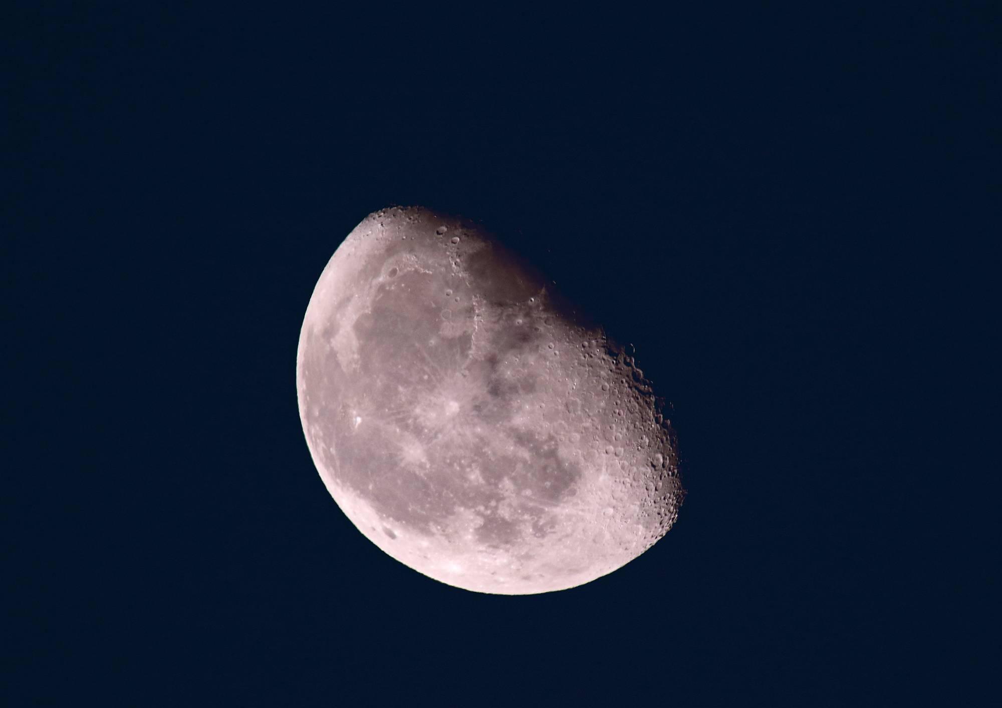 月(Moon) そのⅥ_a0140608_07145585.jpg