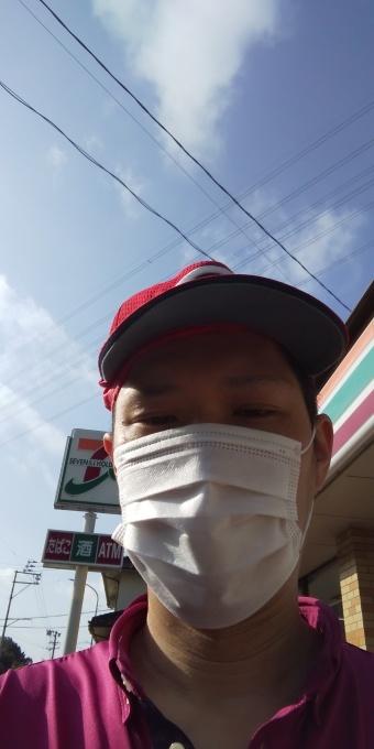 本日も誰もしないアベノマスクよりコンビのマスクで介護現場に出勤です_e0094315_08212913.jpg
