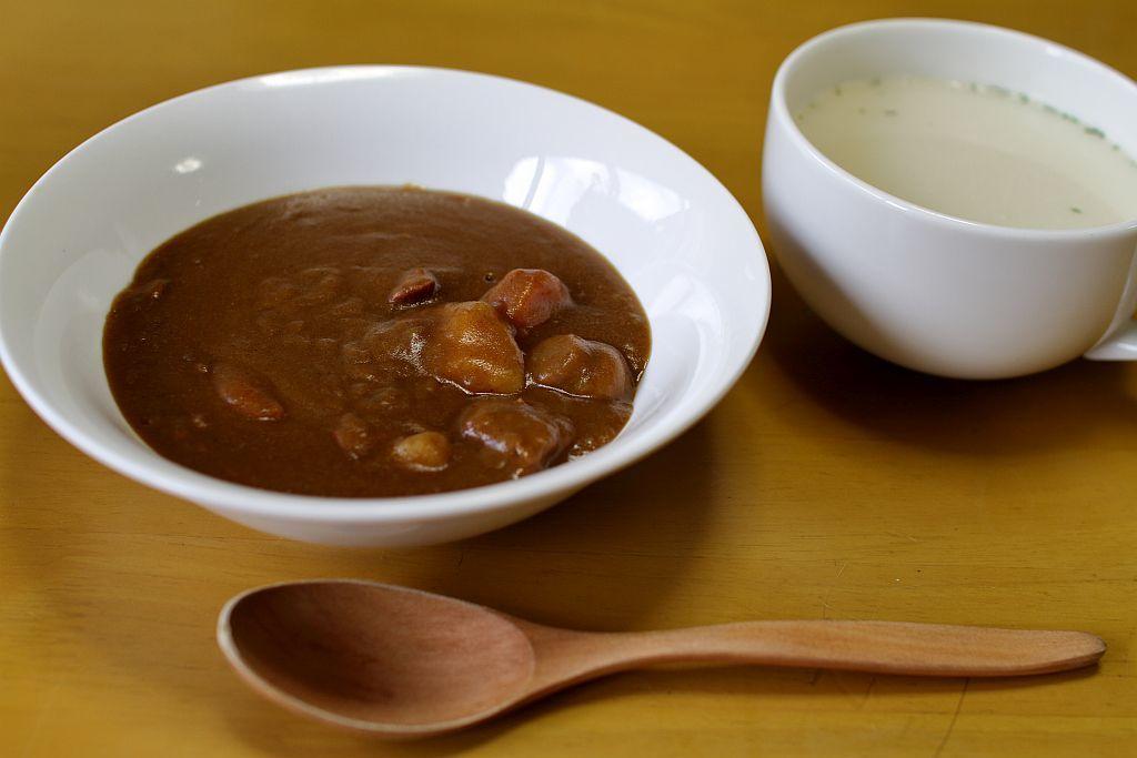カレーとポタージュスープ 流動食な朝餉_e0220163_08163756.jpg