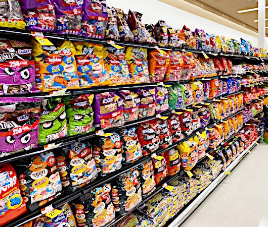 コロナの影響で、今年米国では「ハロウィンのお菓子」が早めに登場!?_b0007805_07405570.jpg