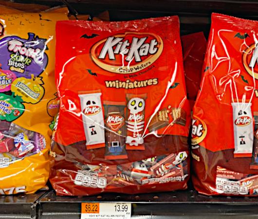 コロナの影響で、今年米国では「ハロウィンのお菓子」が早めに登場!?_b0007805_07413113.jpg