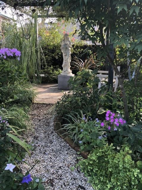 ガーデンハウスから見た「パンパスグラス」_a0243064_11565247.jpg