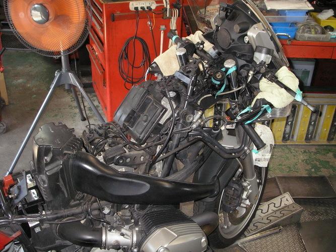 BMW  R1200ST  ステムヘッド部分の交換(ハンドルの交換)_e0218639_10194477.jpg